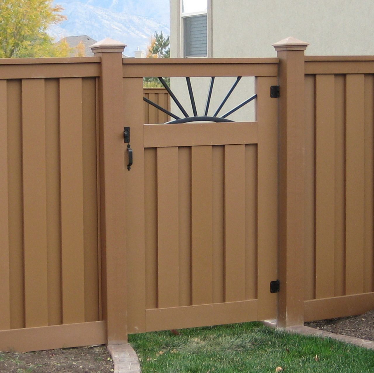 Fence Gate Design Ideas: Low Maintenance Fencing, Naturally