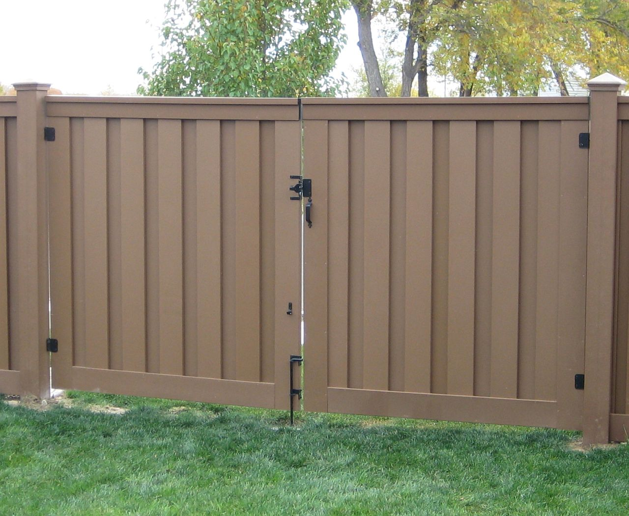 Double Fence Gate trex gates & hardware - low maintenance fencing, naturally