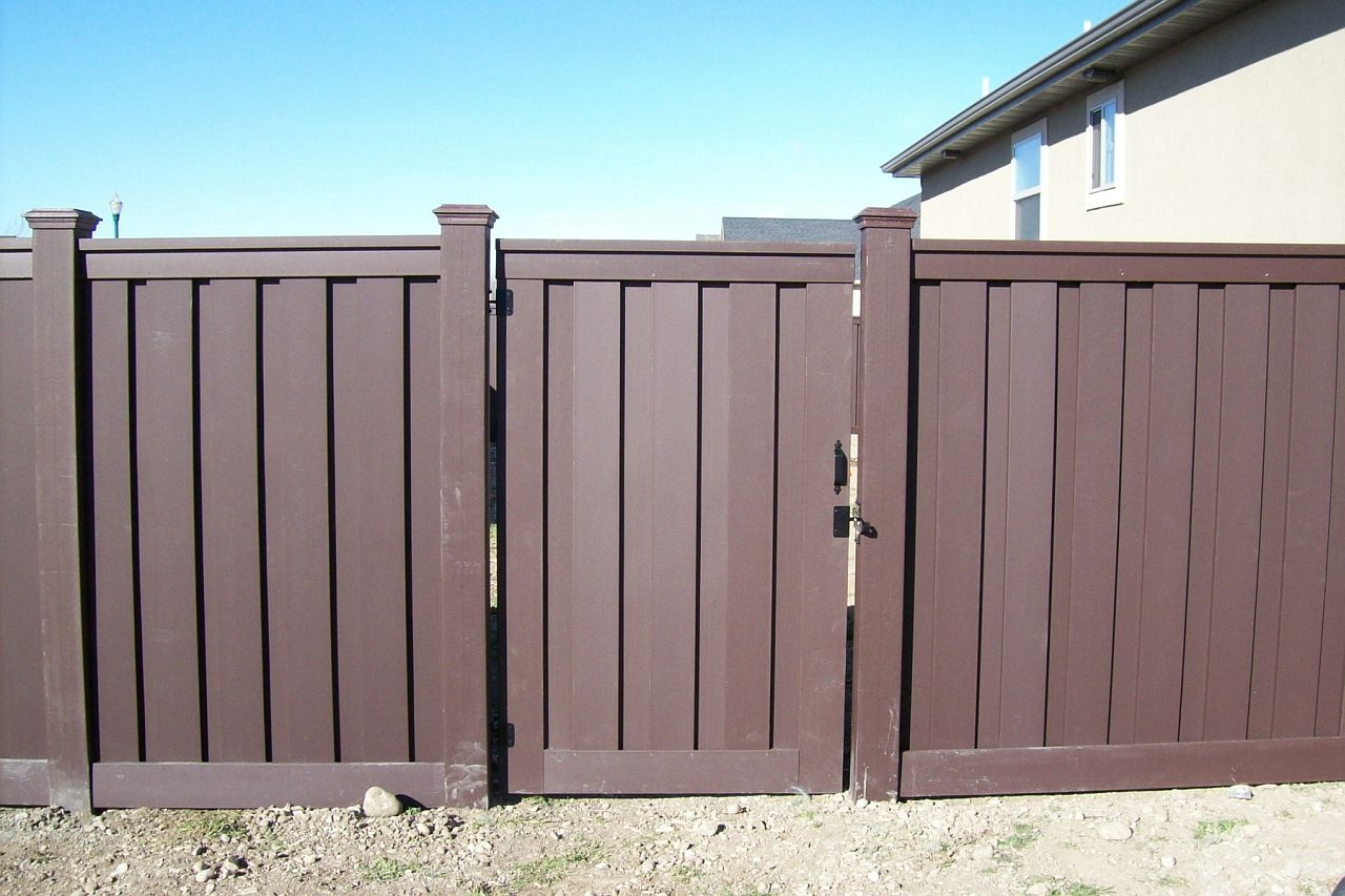 Trex gates hardware low maintenance fencing naturally trex fencing composite baanklon Image collections
